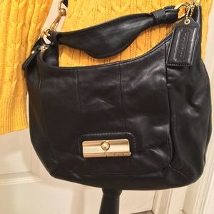 PRE-LOVED AUTHENTIC COACH SOFT BLACK LEATHER PURSE